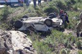 Manisa'da kontrolden çıkan araç şarampole uçtu: 1 ölü, 2 yaralı